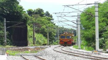 台鐵電車線故障 富岡到北湖雙線不通
