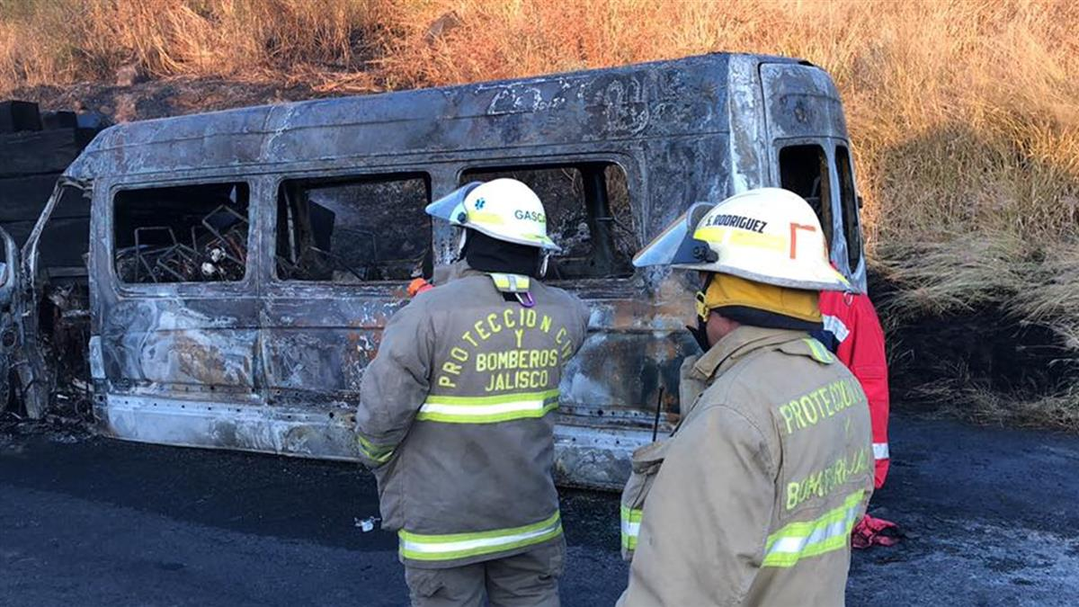 全家渡假卻成焦屍 墨西哥車禍釀14死12傷