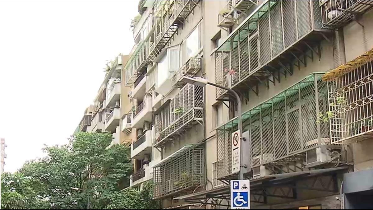 等不到都更!長輩不堪爬樓梯忍痛賣出 老公寓3年跌8%