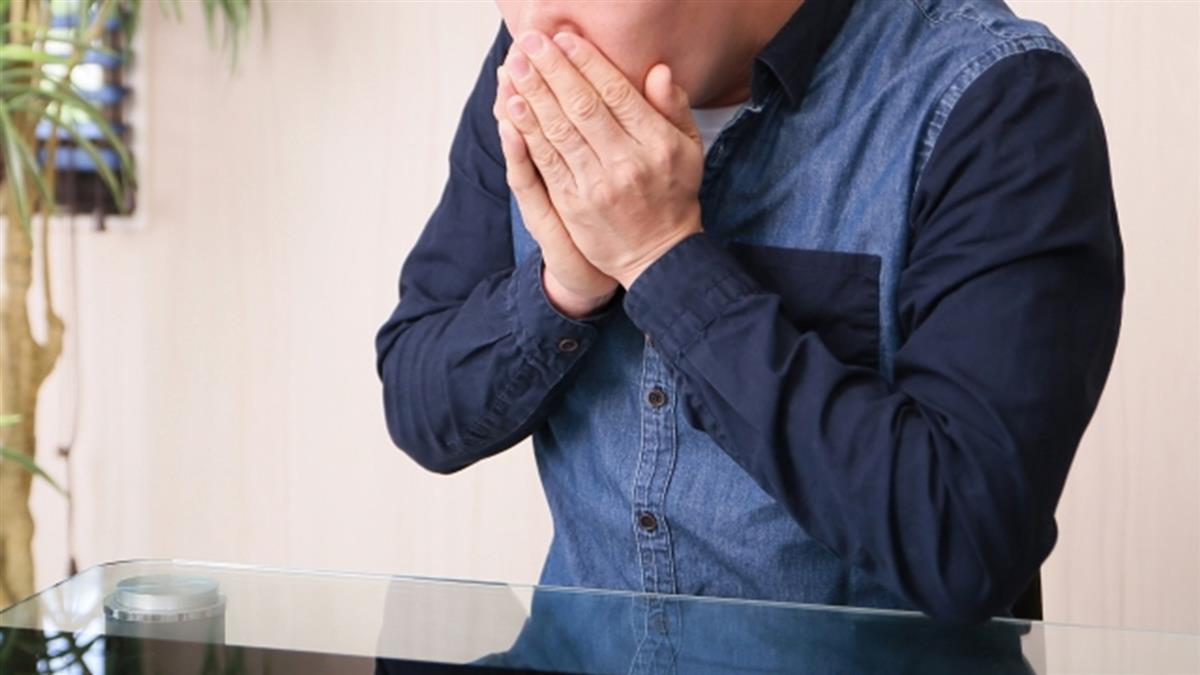 新婚妻才懷孕2月 30歲男咳嗽檢查竟是癌末