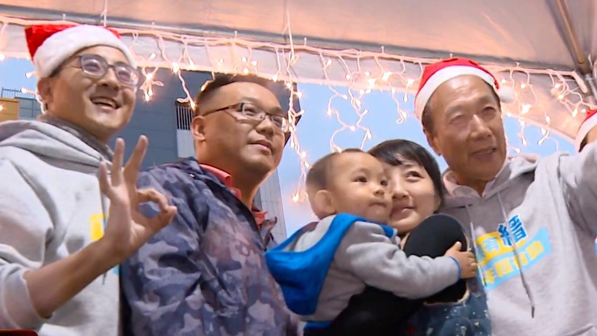 力推親子政策 李縉穎化身聖誕城親善大使