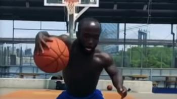 身高1.34米打籃球 馬尼霸氣喊:要有熱情