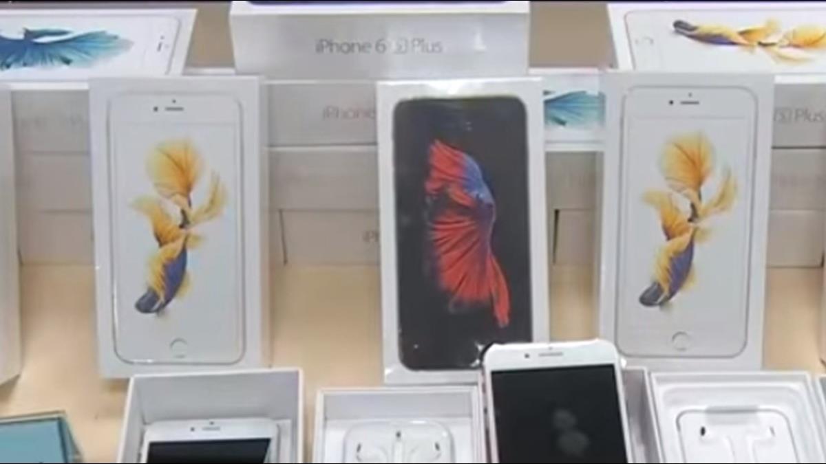 三大電信推耶誕優惠 iPhone XR只要2900元起 再送AirPods 2