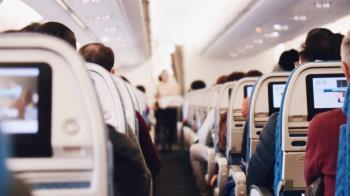 搭飛機必鋪毛毯當坐墊 空姐揭超噁內幕