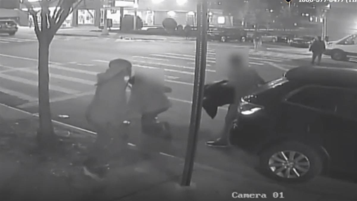為搶劫1美元 60翁慘遭暴打重傷亡!