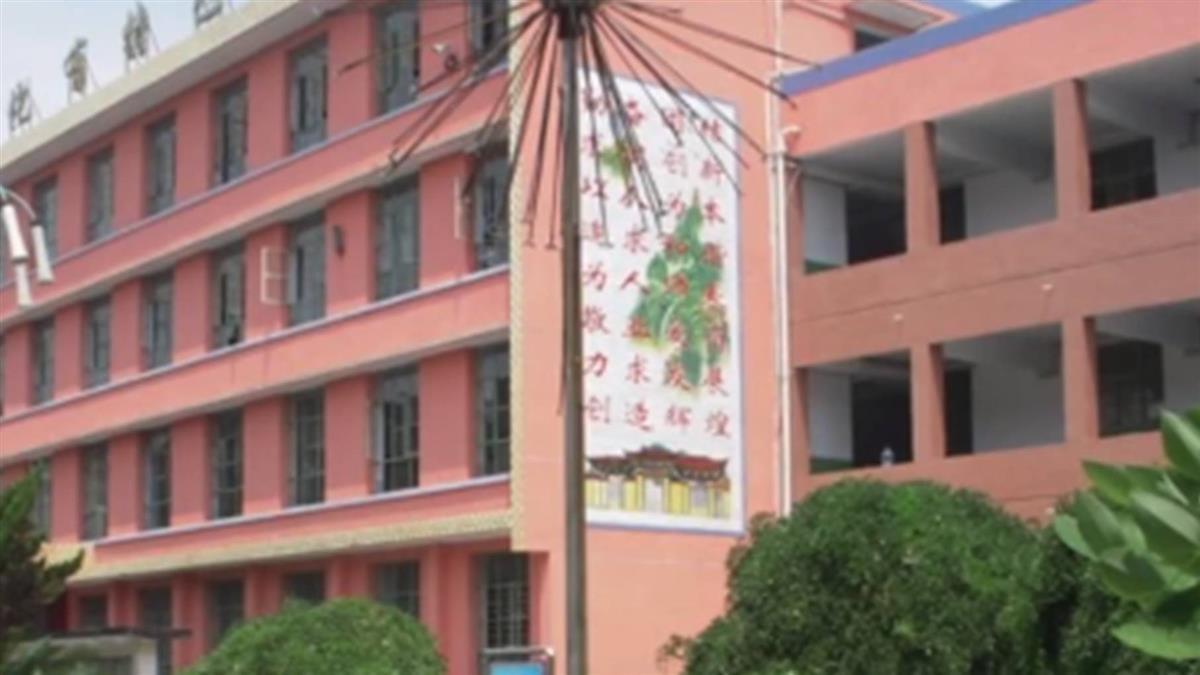 高三男求復合遭拒 二樓墜下壓傷女同學