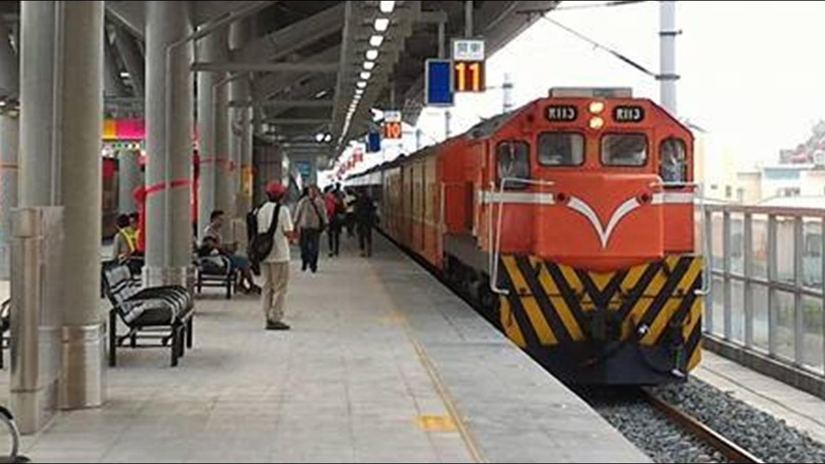 火車座位踏板設計沒用? 旅客怨雞肋 過來人曝必要性