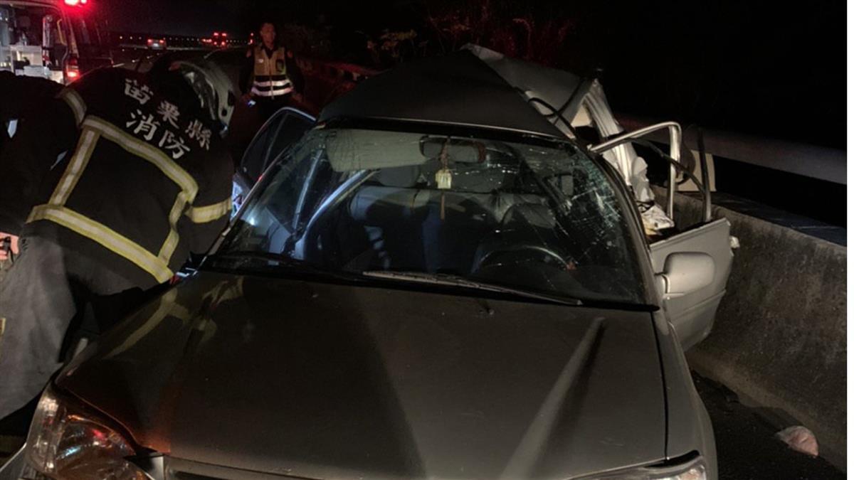 國道車禍!貨車追撞自小客車 婦人頭顱變形亡