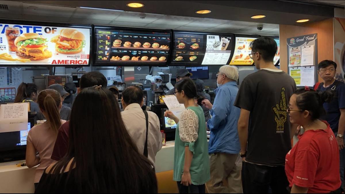 連鎖速食漲價潮前仆後繼! 繼肯德基後 麥當勞、漢堡王也喊漲