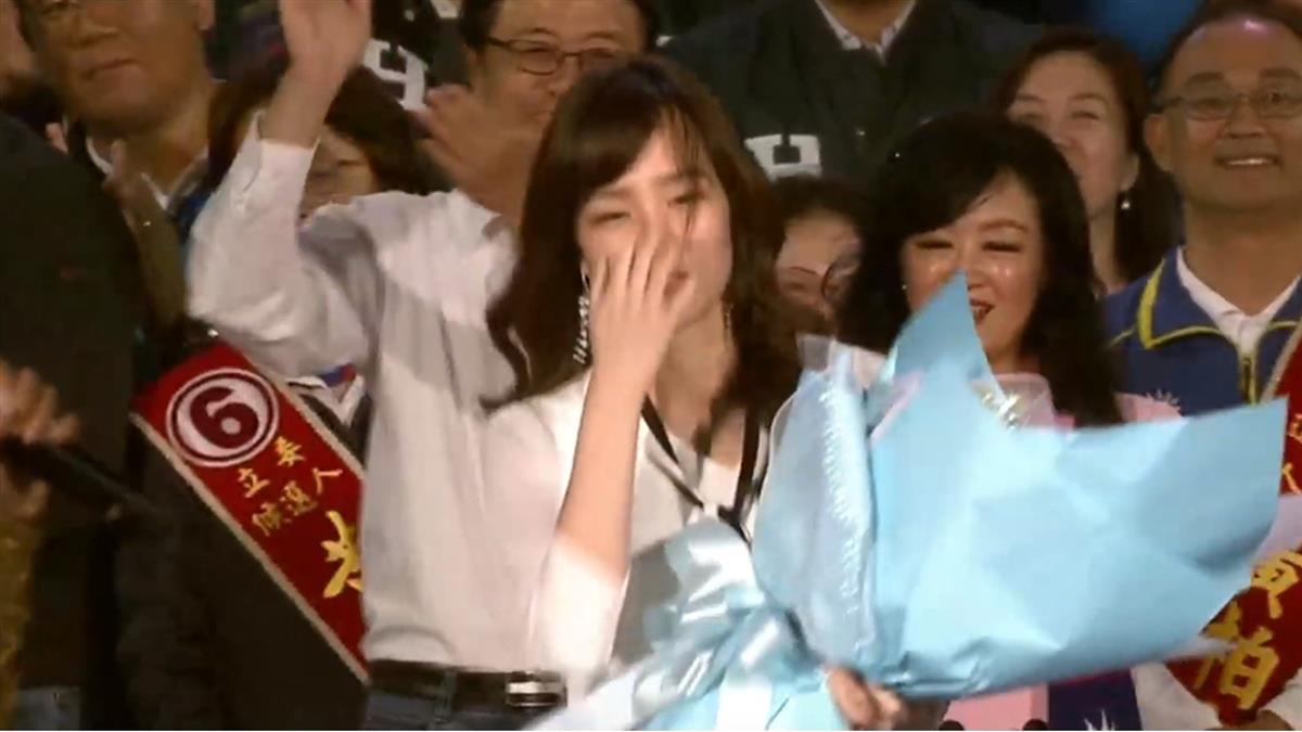 神秘嘉「冰」現身高雄造勢!韓國瑜眼眶泛紅