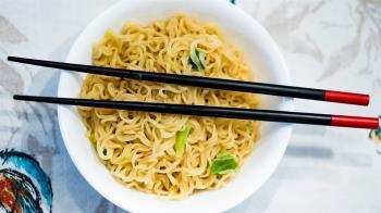 年銷量1千億包 「泡麵之父」竟是台灣人的他