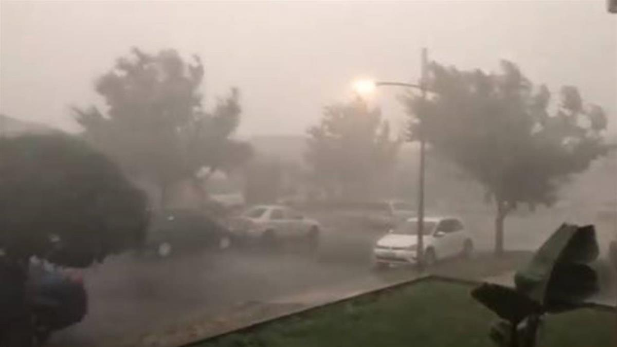 澳洲下雨了!澆熄32處野火 這裡狂降1個月雨量