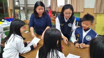 培養學生國際觀 移民官分享服務經驗