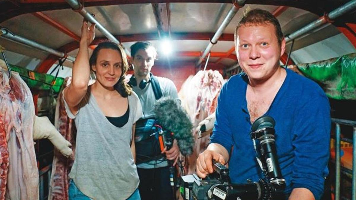 19歲就在電視台當記者 她想念大學卻只能去德國
