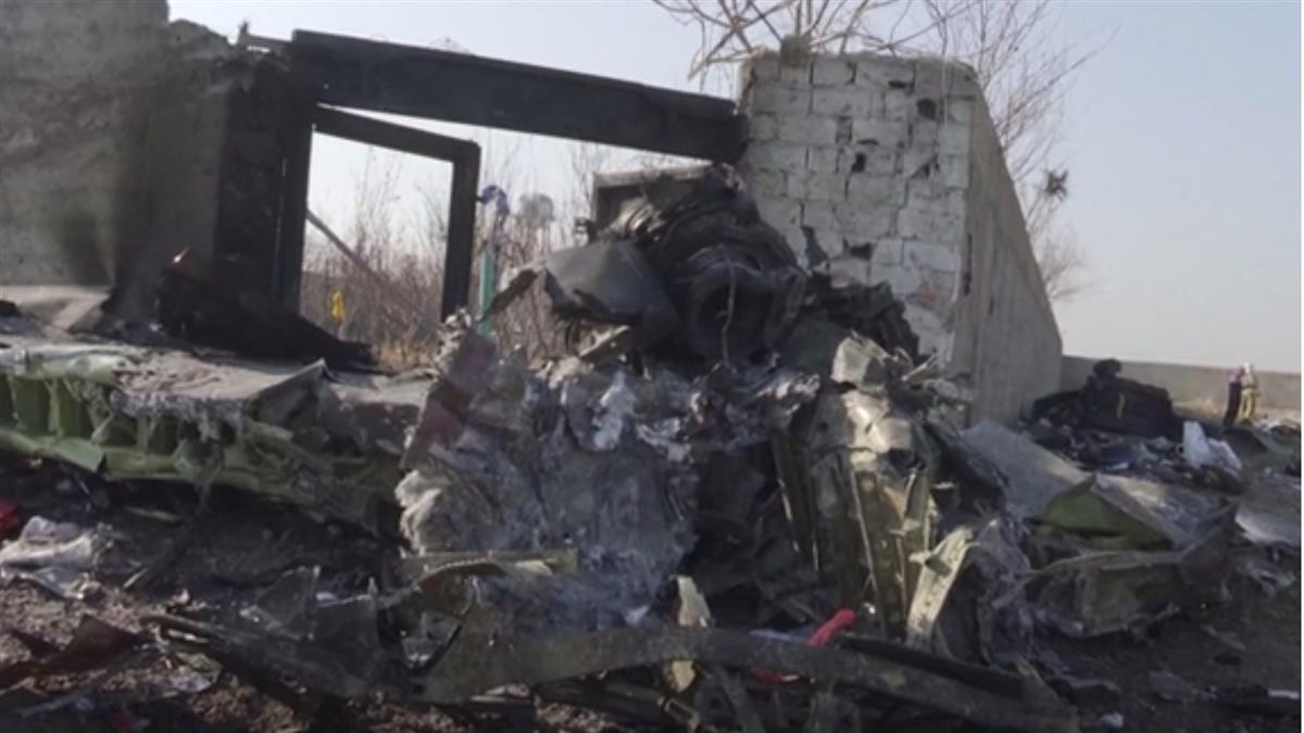 烏克蘭客機遭擊落 伊朗否認黑盒子移交基輔