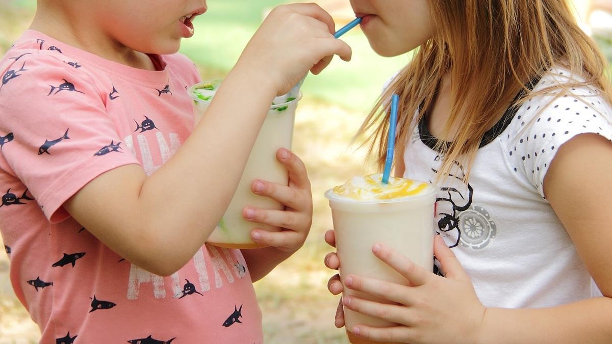 過年開心吃喝沒關係?專家提醒:這4種飲料別讓孩子多喝