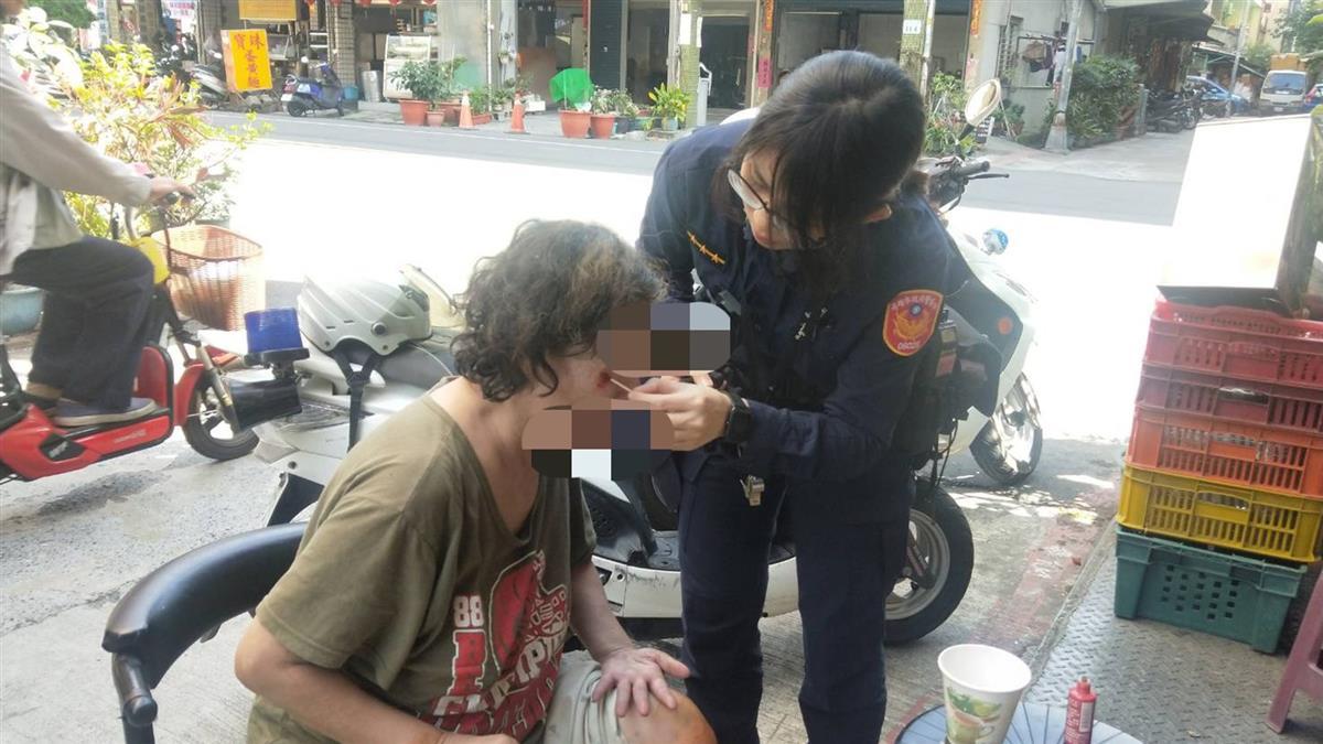 失智老婦外出迷途自摔 熱心警民買藥救援助返家