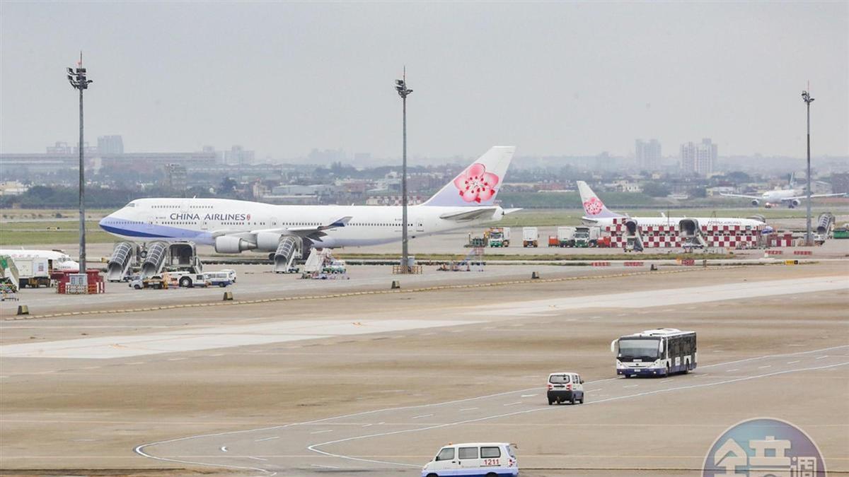 武漢肺炎擴散 華航明起兩岸、港澳航班取消熱餐