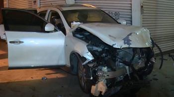 高雄嚴重車禍!男闖紅燈撞轎車 女乘客慘死