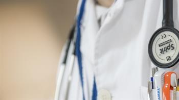 港府拒絕向大陸封關 3千名醫護人員今發動罷工