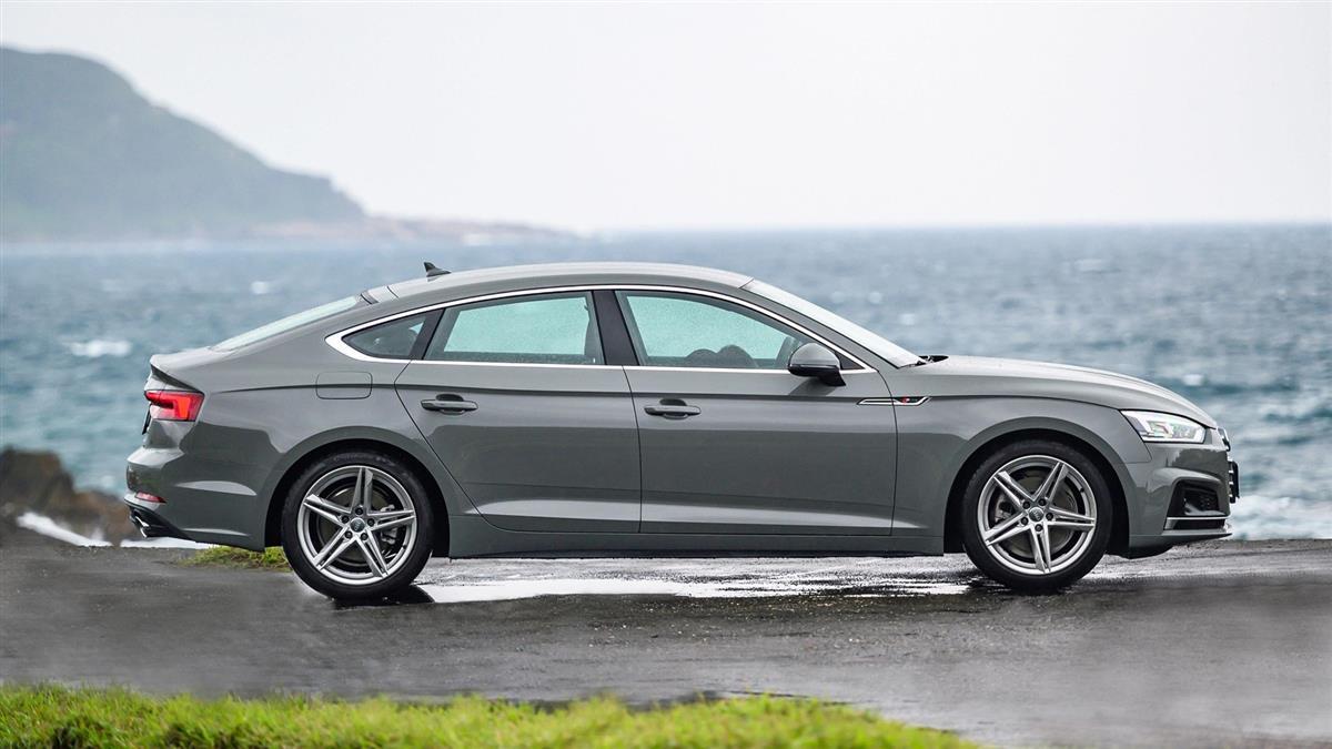 標配跑車套件、B&O 音響,Audi A5 Sportback S line 進化版 240 萬登場