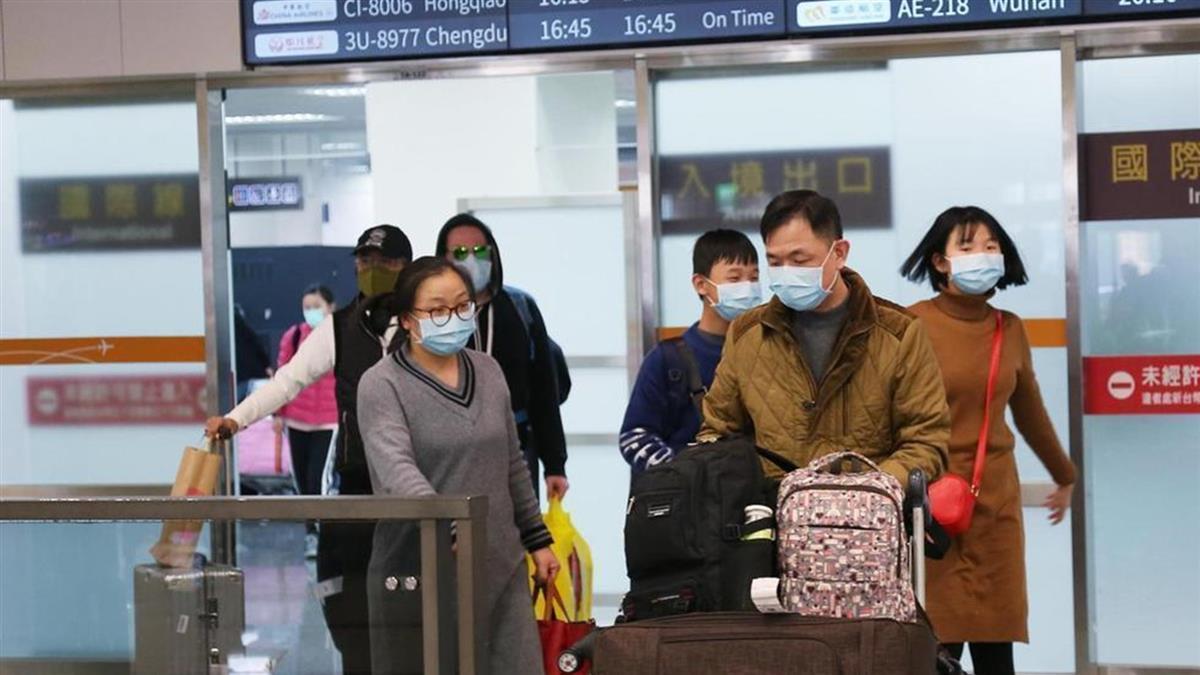 台商帶2209片口罩搭機去上海 下場出爐了