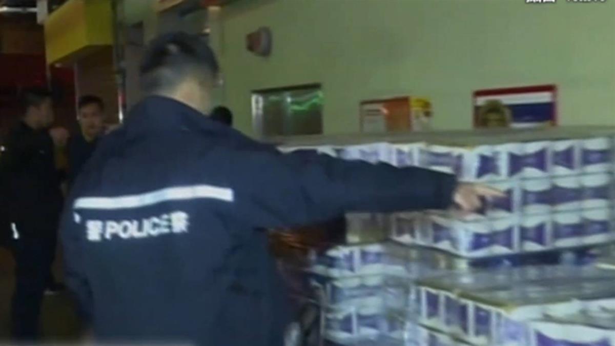 香港3男持刀劫走50包衛生紙 還自備推車搬貨