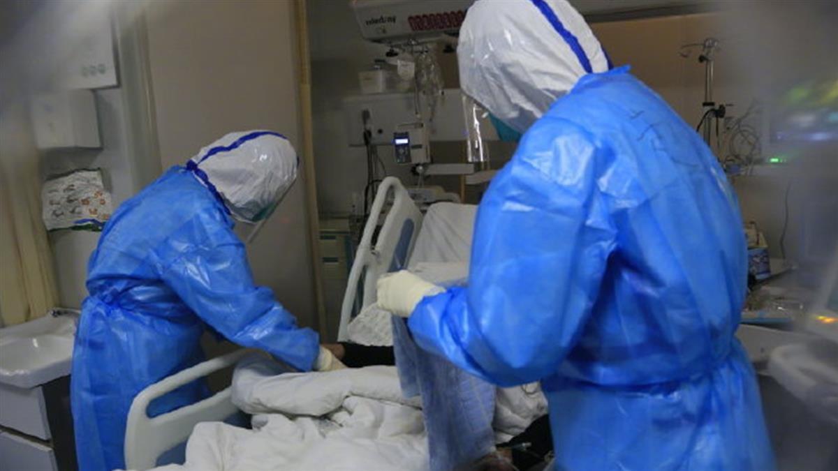 不只院長!武漢醫院護理師 4口全染疫病逝