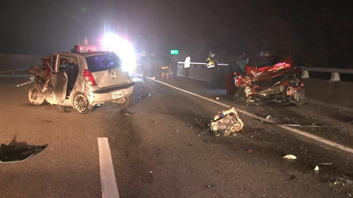 國道深夜連環車禍 乘客爬出求救遭撞飛輾斃