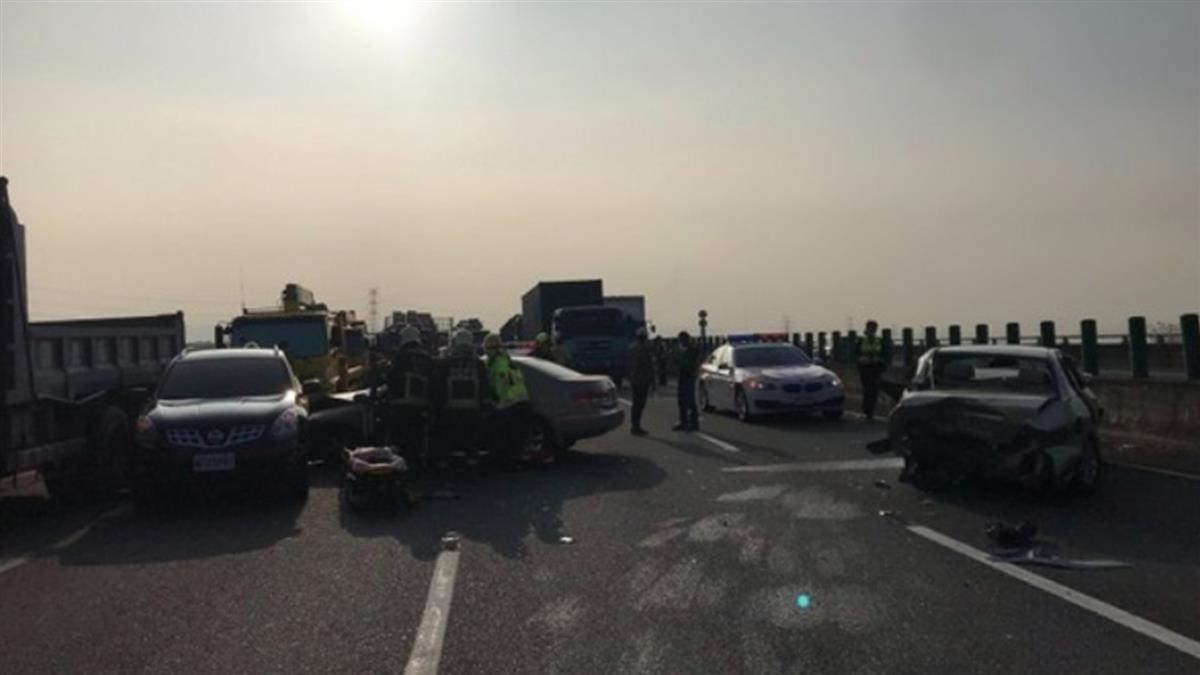 國道三號5車追撞!多人受傷、車潮回堵5km