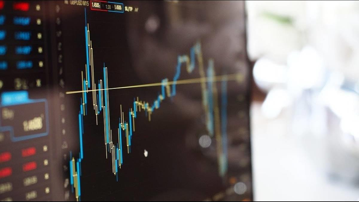 石油價格戰開打!亞洲油價狂崩20% 高盛:恐摔到20美元