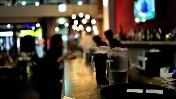防武漢肺炎 紐約洛杉磯勒令餐廳酒吧劇影院關門