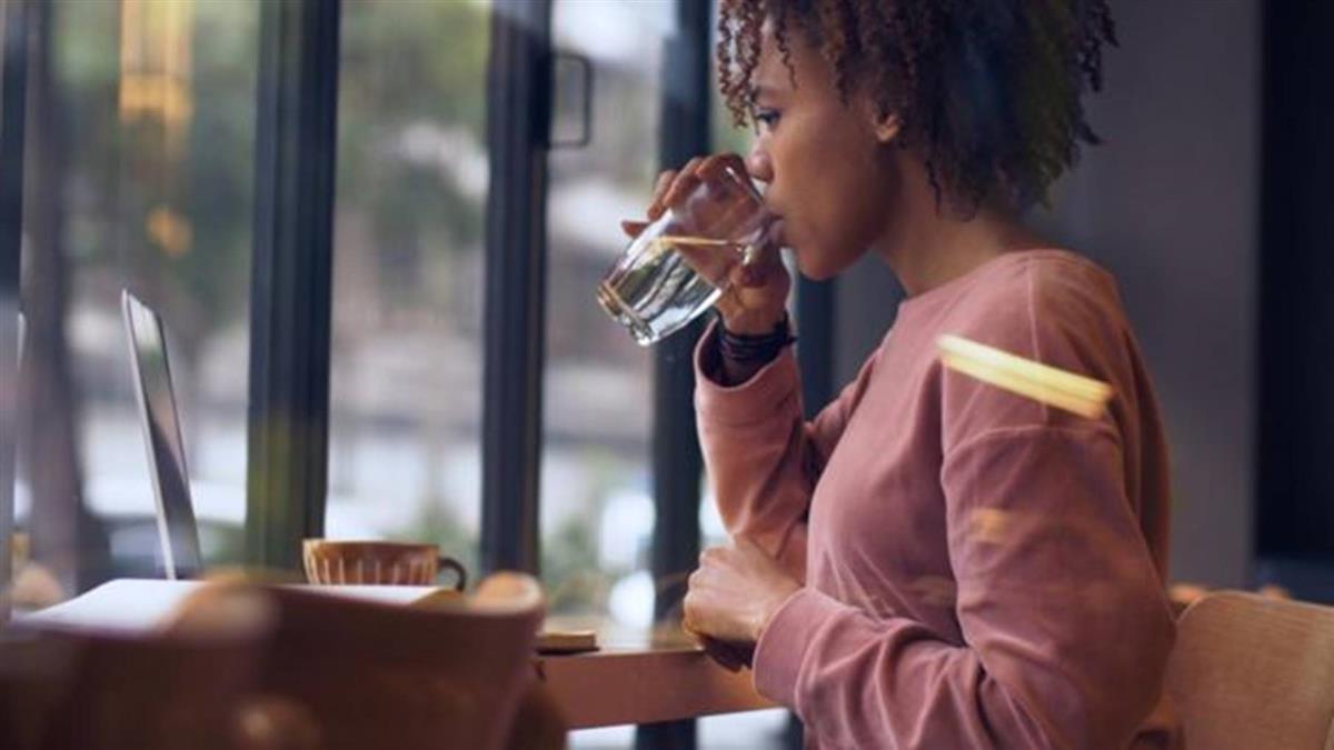 肺炎疫情:多喝水並不能殺死新冠病毒