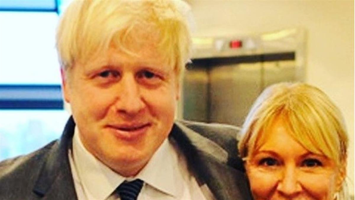 英國首相強生確診武肺!症狀曝光了