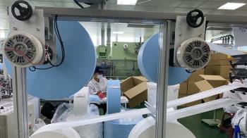 掌握口罩心臟關鍵布料 工程師搶修塵封5年機台