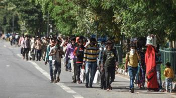 封城沒車搭!印度男徒步288km返鄉 半途突暴斃