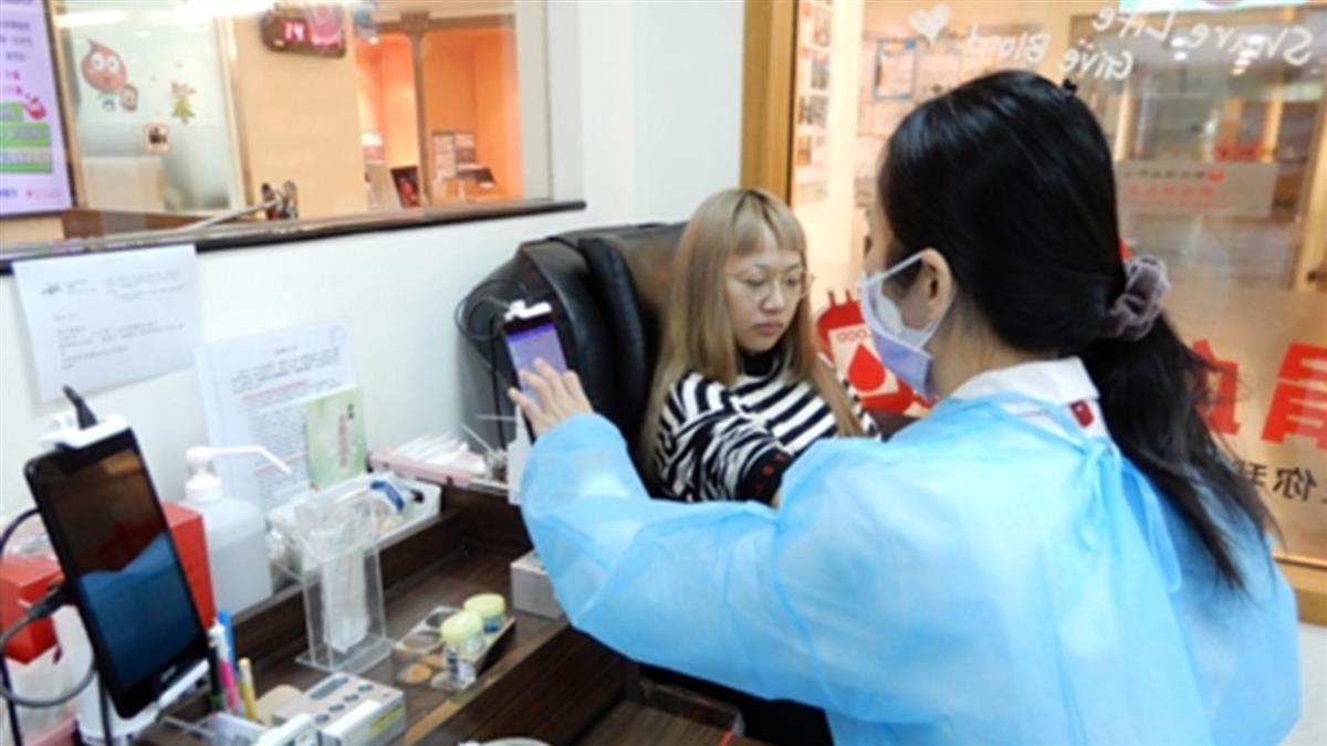 捐血公益接力 保健品龍頭佳格捐萬份商品 挺醫護防疫