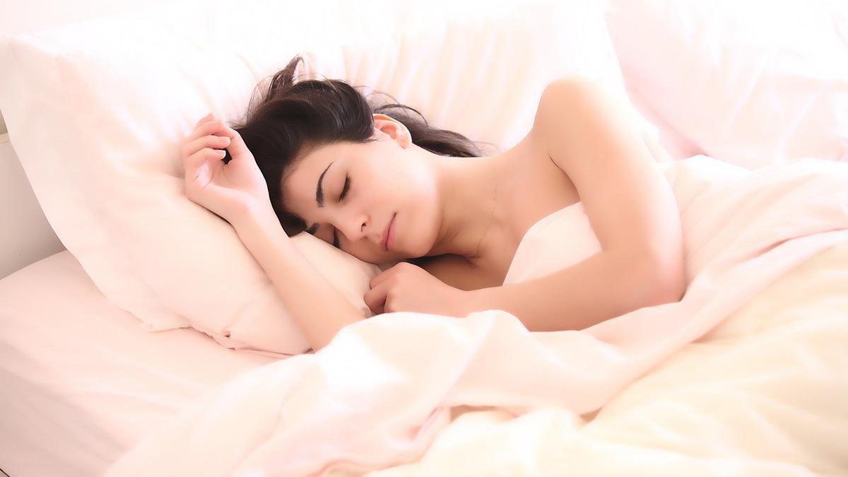 長期熬夜恐影響腸道菌叢?補充這「營養素」擁有好心腸!
