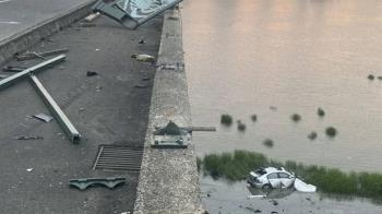 雙園大橋自小客車墜落河床  2傷