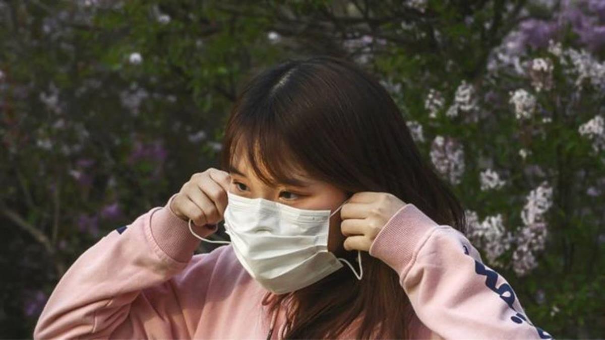 Những triệu chứng của viêm phổi Vũ Hán rất giống với dị ứng, cảm mạo, cảm cúm, thậm chí là cả những triệu chứng không điển hình cũng có thể xuất hiện sau khi nhiễm virus Vũ Hán. (Ảnh: Getty Images)