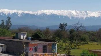 30年首露面!喜馬拉雅山 超清晰雪白山頭