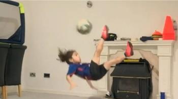 悶壞了!伊朗6歲體育神童 倒掛金鉤致敬梅西