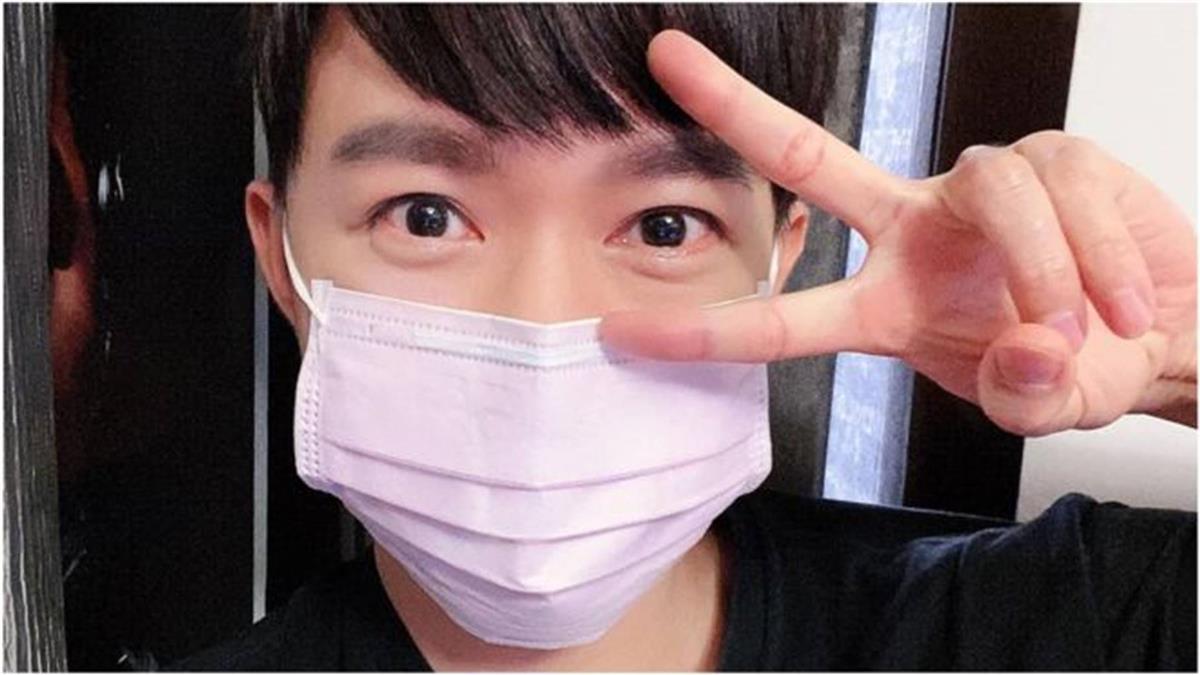 台灣小學男生擔心粉紅口罩引發的性別教育討論
