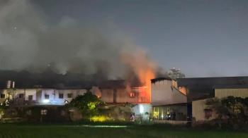 中和宮廟大火!68輛消防車急搶救 網嚇:板橋都聞到