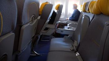肺炎疫情:在飛機上如何維持安全間隔距離