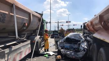屏東嚴重車禍!4砂石車2轎車追撞 8人送醫