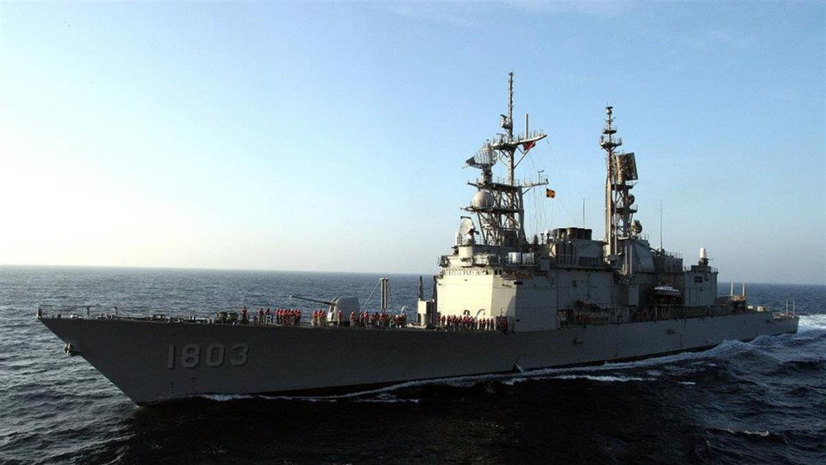 海軍又爆醜聞!左營艦輪機長酒後艦上大玩四腳獸