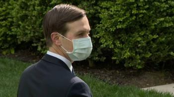 50萬片口罩國家隊進入白宮 川普下令官員臉上MIT