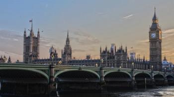 金融時報:倫敦對東方人仇恨犯罪增加