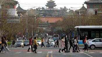 武漢市病毒篩檢站出現排隊人龍 民眾憂疫情復燃